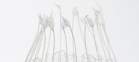 Trasparenza, Agorà 2012-miniartextil Como, Premio Arte&Arte. Filo argentato, fili di carta e perle. 16x16x20 cm © lauramengani
