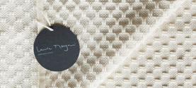 copertina per neonato 80x80cm in lana merino misto cashmere e seta. © lauramengani