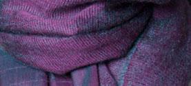 sciarpa-stola in seta e mohair. © lauramengani